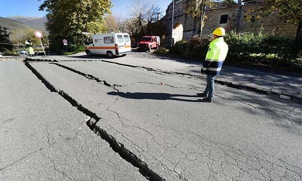 essay on earthquake photo